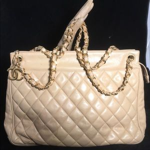 AUTH. Chanel Matelasse Vintage Tote XL